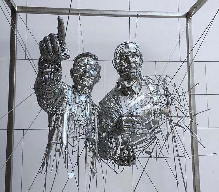 Transporte de escultura homenaje a Carlos Martinez & Jos Galán